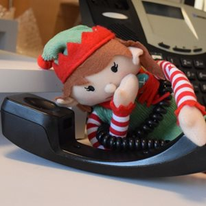 elf on phone
